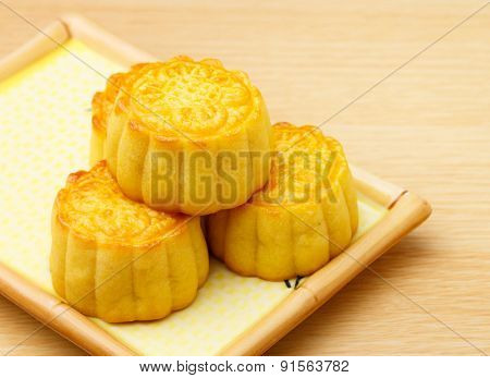 Chinese traditional mooncake on the plate