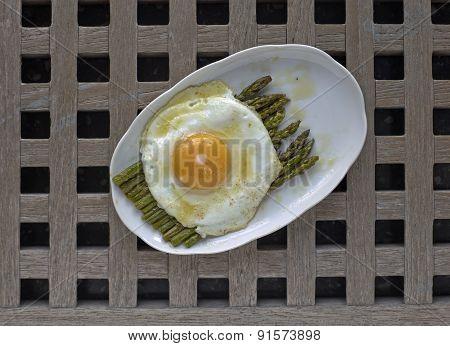 Asparagus With Egg