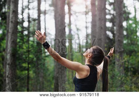 Healthy Lifestyle Fitness Sporty Runner Enjoying Start Of The Day In Beautiful Nature Area