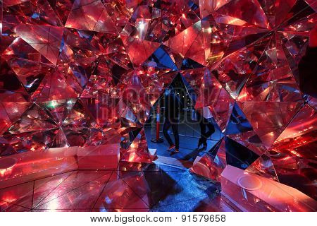 Light Origami In Red At Vivid Sydney