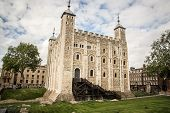 picture of crown jewels  - Tower of London  - JPG