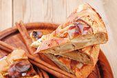 image of cinnamon sticks  - baked food  - JPG
