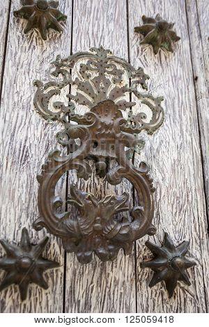 Door knocker dragon shaped in Cartagena de Indias