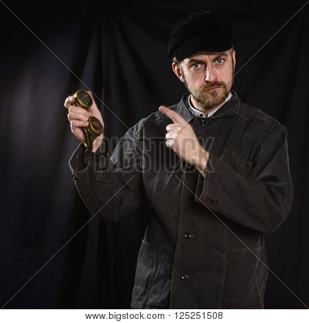 Working in a black robe indicates welding points . black background