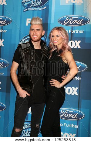 LOS ANGELES - APR 7:  Colton Dixon, Annie Coggeshal at the American Idol FINALE Arrivals at the Dolby Theater on April 7, 2016 in Los Angeles, CA