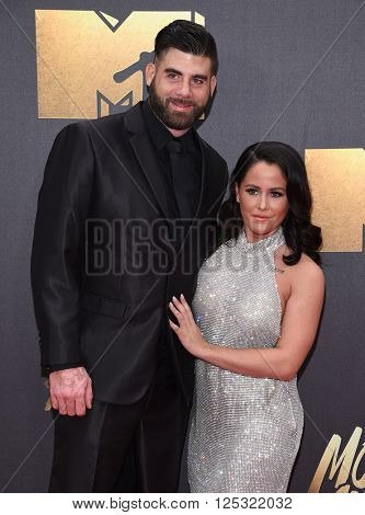 LOS ANGELES - APR 09:  Jenelle Evans & David Eason arrives to the Mtv Movie Awards 2016  on April 09, 2016 in Hollywood, CA.