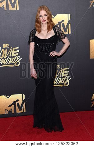 LOS ANGELES - APR 09:  Jessica Chastain arrives to the Mtv Movie Awards 2016  on April 09, 2016 in Hollywood, CA.