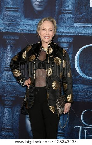LOS ANGELES - APR 10:  Faye Dunaway at the Game of Thrones Season 6 Premiere Screening at the TCL Chinese Theater IMAX on April 10, 2016 in Los Angeles, CA