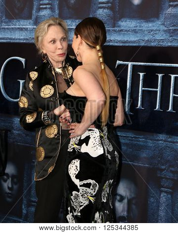 LOS ANGELES - APR 10:  Faye Dunaway, Emilia Clarke at the Game of Thrones Season 6 Premiere Screening at the TCL Chinese Theater IMAX on April 10, 2016 in Los Angeles, CA
