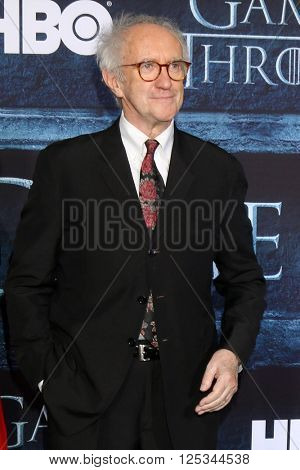 LOS ANGELES - APR 10:  Jonathan Pryce at the Game of Thrones Season 6 Premiere Screening at the TCL Chinese Theater IMAX on April 10, 2016 in Los Angeles, CA