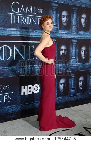 LOS ANGELES - APR 10:  Sophie Turner at the Game of Thrones Season 6 Premiere Screening at the TCL Chinese Theater IMAX on April 10, 2016 in Los Angeles, CA