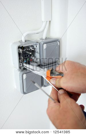 Installation of a socket
