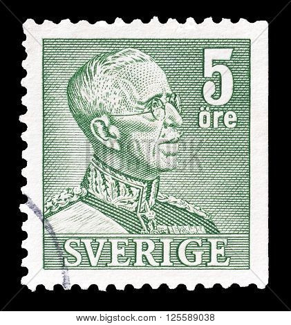 SWEDEN - CIRCA 1941 : Cancelled postage stamp printed by Sweden, that shows king Gustaf.