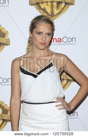 LAS VEGAS - APR 12: Teresa Palmer at the Warner Bros. Pictures Presentation during CinemaCon at Caesars Palace on April 12, 2016 in Las Vegas, Nevada