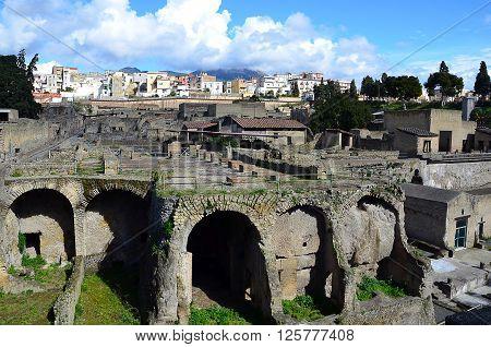 landscape scenic photo of pompei excavation italy