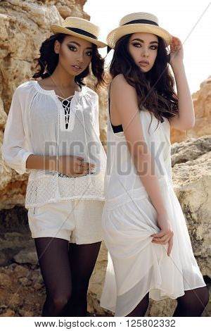 Beautiful Girls With Dark Hair Wears Casual Elegant Clothes And Hat
