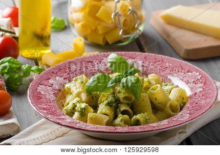 Rigatoni With Pesto