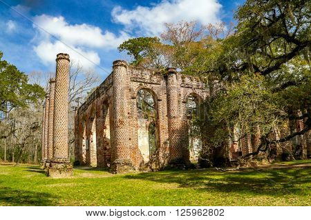 Known as the Sheldon Church which was built in 1745  before being burnt by the British during the Revolutionary War.  It was rebuilt in 1826 only to be burnt by Sherman's troops in 1865.  The ruins have become a tourist attraction & the site of many weddi
