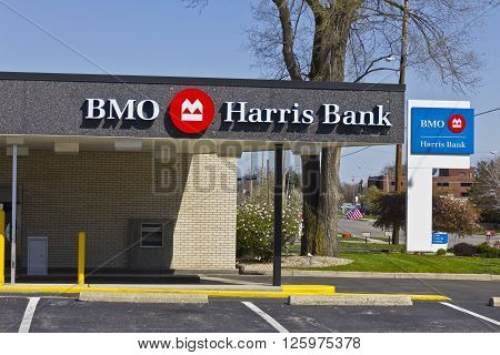 Indianapolis - Circa April 2016: BMO Harris Bank. BMO Harris is one of the Largest Banks in the Midwest