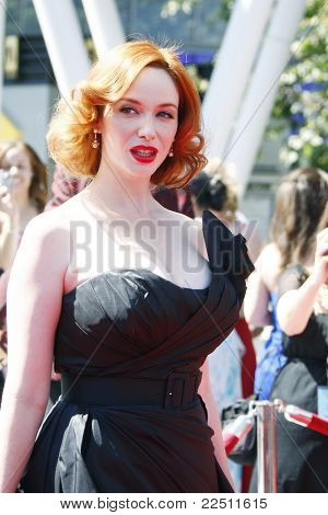 LOS ANGELES - 21 de AUG: Christina Hendricks en la 62nd Primetime Creative Arts Emmy premios No