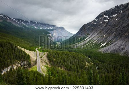 Scenic View Of Icefields Parkway