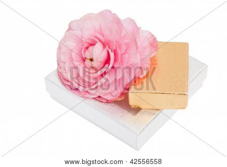 Shiny Gift Set With Flower