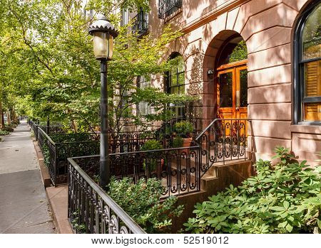 Chelsea Tree-filled Street And Its Townhouses And Front Yards, Manhattan, New York