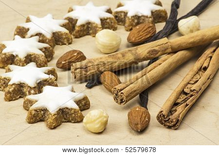 Several sorts of spice and cookies