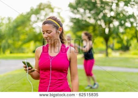 listening to music helps her workout