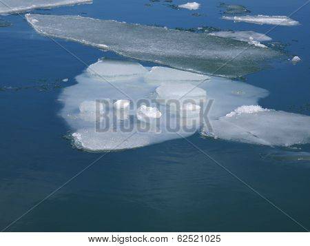 Flowing Ice Floes
