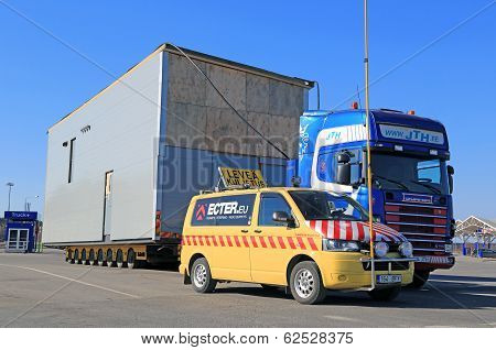 Escort Car And Truck With Wide Load