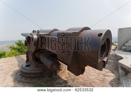 Old Russian cannon era Russian-Japanese War in 1904-1905 Russian fortress in Lyushyun (Russian name of Port Arthur), China.