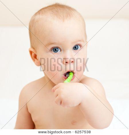 Kleinkind Zähne