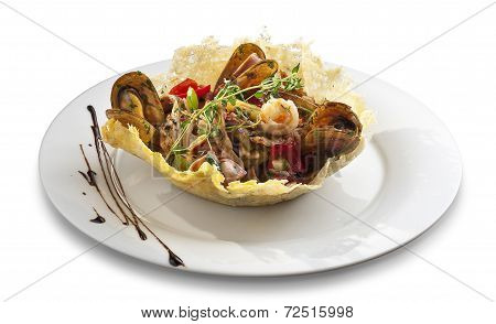 Mussles Salad With Vegitables In Tortilla Bowl Shape