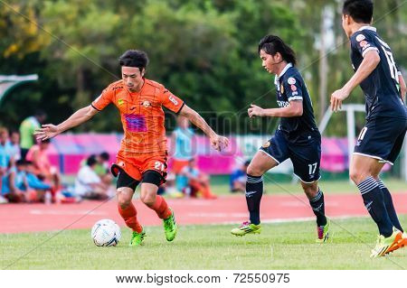 Sisaket Thailand-september 21: Terukazu Tanaka Of Sisaket Fc. In Action During Friendly Match Betwee