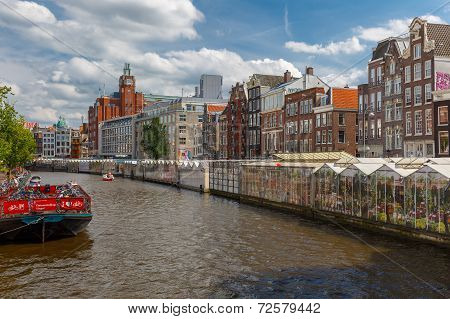 The Famous Floating Flower Market  Bloemenmarkt In Amsterdam, Holland, Netherlands.
