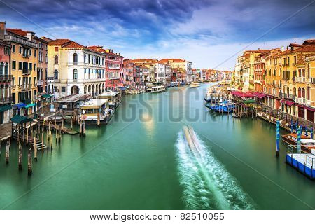 Beautiful Venice city on sunny day, wonderful water channel between gorgeous colorful old buildings, amazing Italy