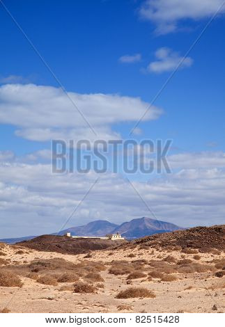Canary Islands, Small Island Isla De Lobos, Lighthouse, Lanzarote In The Background
