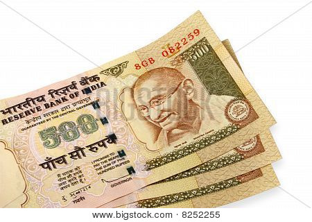 three 500 rupee indian currency notes