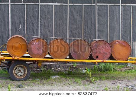 Set Old Rusty Barrel Fuel