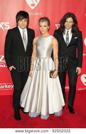LOS ANGELES - FEB 6:  Neil Perry, Kimberly Perry, Reid Perry at the MusiCares 2015 Person Of The Year Gala at a Los Angeles Convention Center on February 6, 2015 in Los Angeles, CA