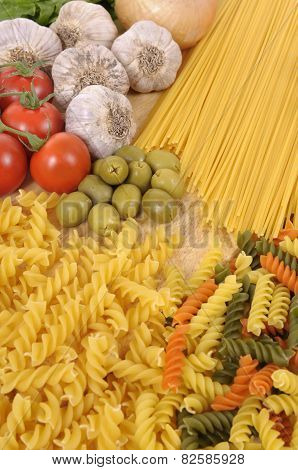 Pasta With Garlic And Olives