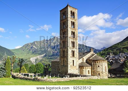 Belfry and church St. Clement of Tahull. Spain