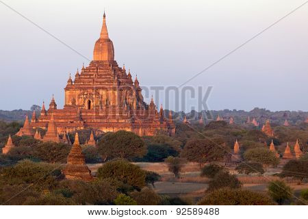 Sunrise on the Sulamani temple in Bagan, Myanmar (Burma)
