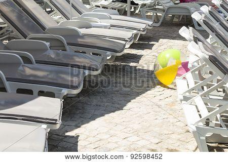 Sunbeds And Children Ball
