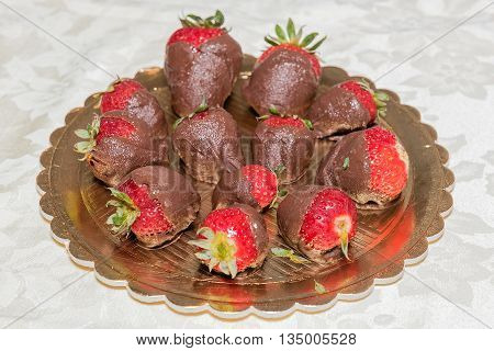Homemade Chocolate Covered Strawberries For Valentine's Day