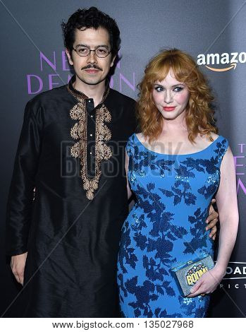 LOS ANGELES - JUN 14:  Christina Hendricks & Geoffrey Arend arrives to the 'The Neon Demon' Hollywood Premiere  on June 14, 2016 in Hollywood, CA.