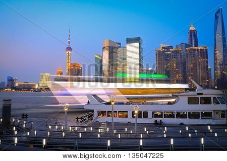 Night view of Shanghai bund urban landscapes