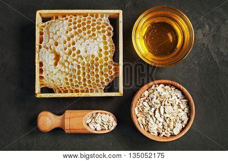 Honeycomb And Oatmeal