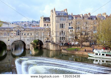 Pulteney Bridge River Avon Bath Cityscape England UK